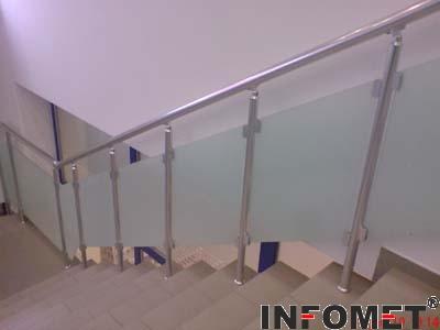 алуминиев парапет за стълбище със стъкло